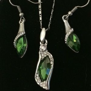 Jewelry - Faux emerald necklace, earrings and bracelet set